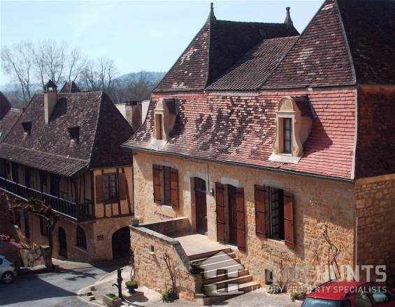 dordogne village house