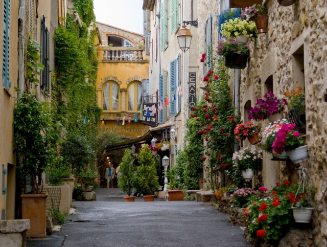 Location Spotlight – Valbonne and Mougins