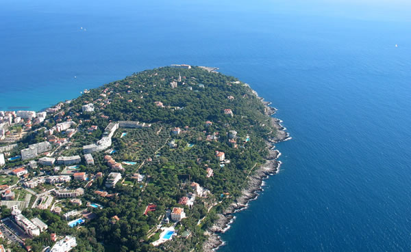 To cap it all home hunts luxury search specialists for Azureva roquebrune cap martin piscine