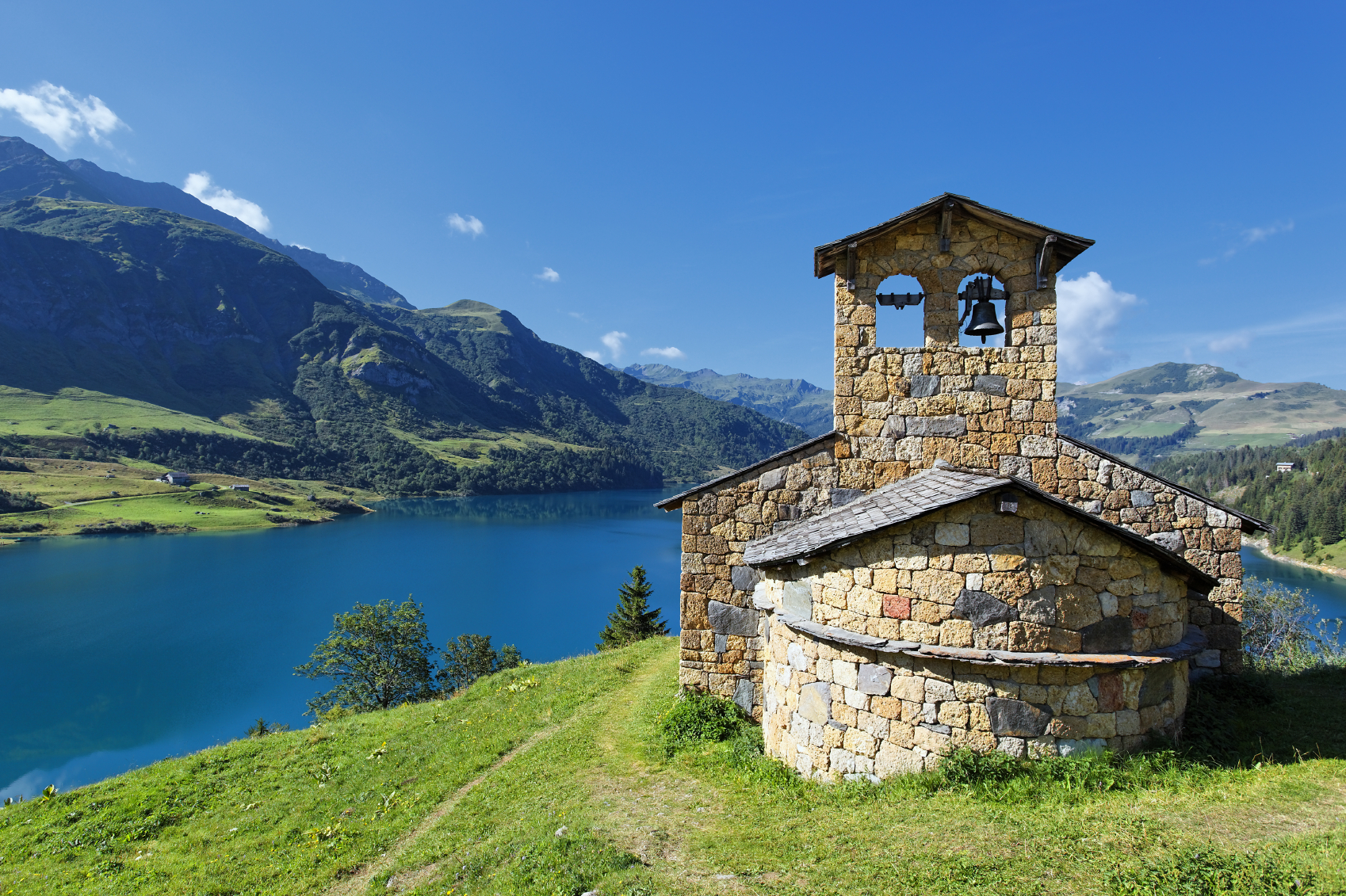 French Alps Proving Popular as Year-round Destination
