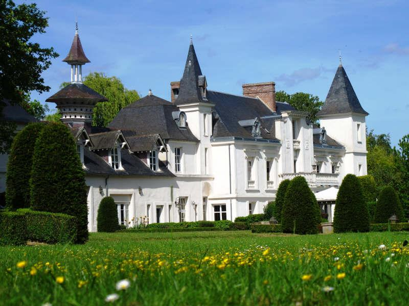 chateaux french Completely restored 16 bedroom 18th century french chateau, which is one of the jewels of the tourai.