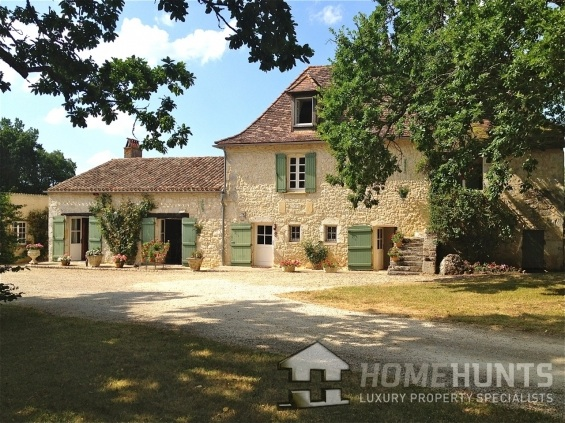 RENOVATED FARMHOUSE WITH LAND