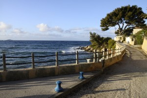 Walk way on the seafront in Bandol