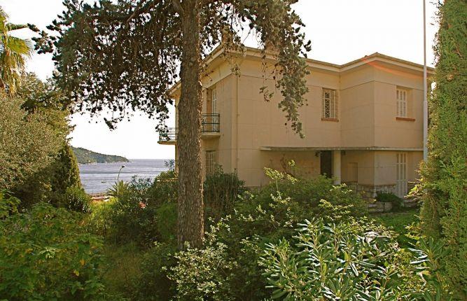 Five top renovation properties in France
