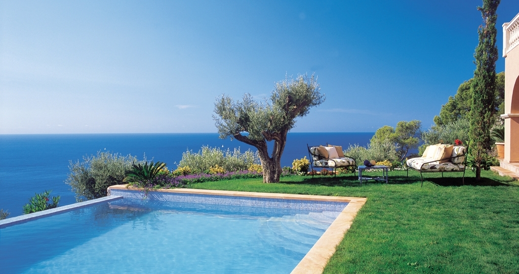 Five stunning swimming pool properties in Provence