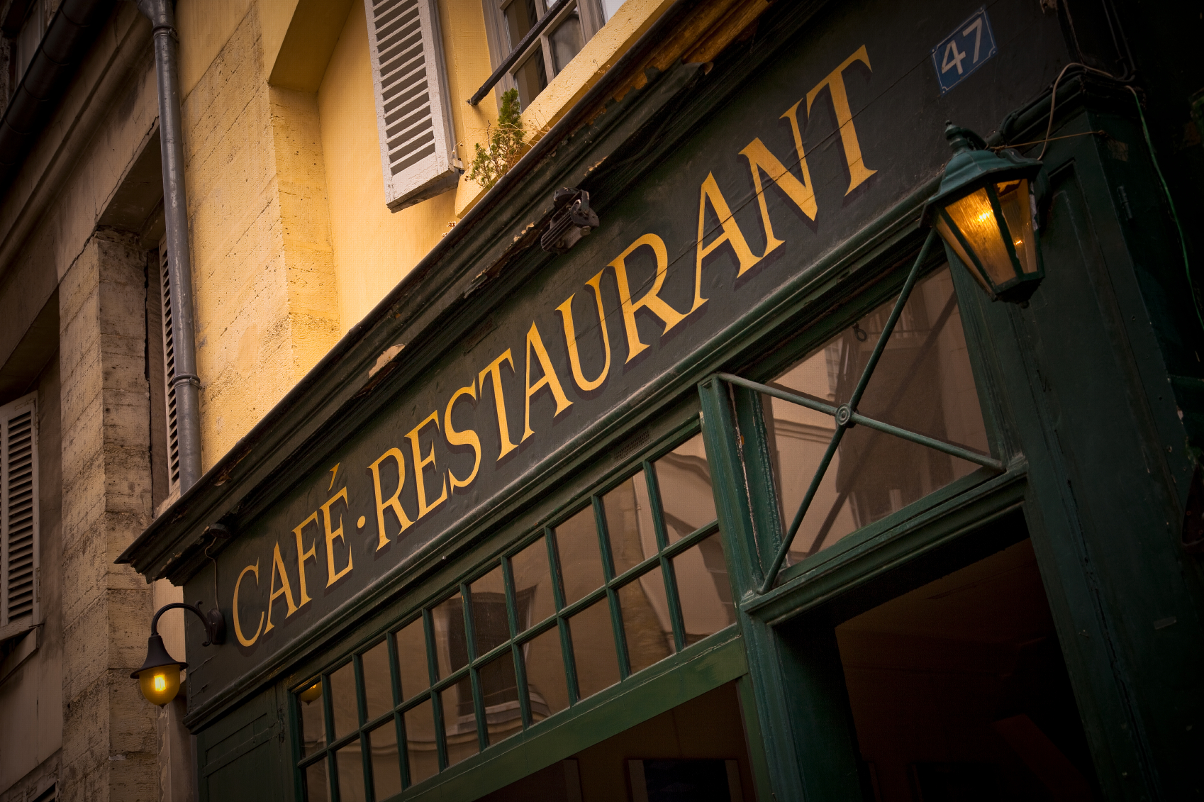 Buy a business in France to easily get the dream French lifestyle