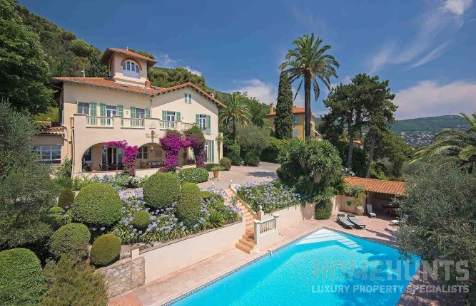 Four things to know before buying a luxury property in France