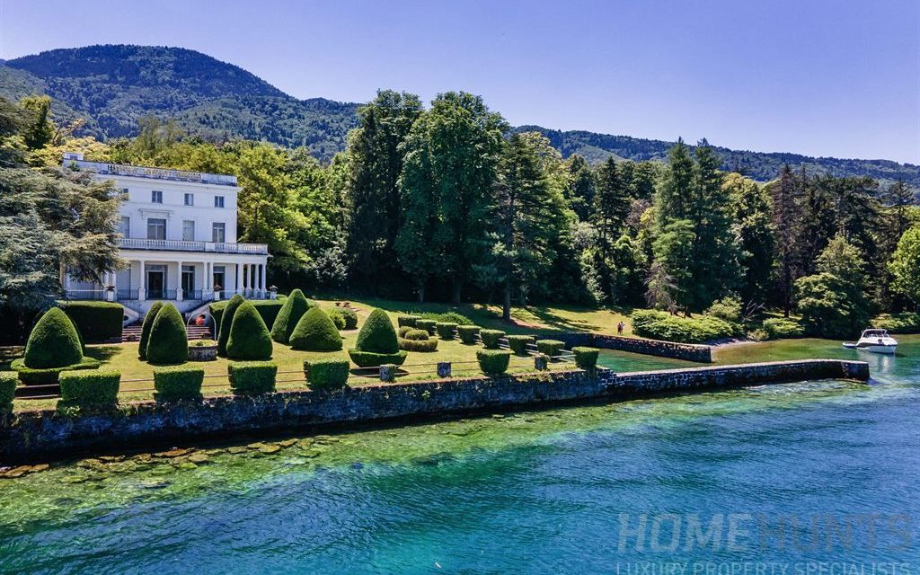 Living the lakefront dream! Magnificent property on Lake Geneva